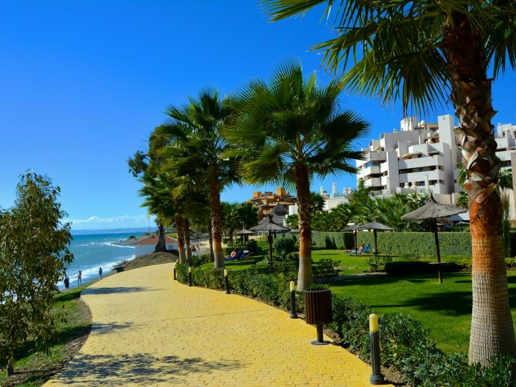 Beachside walkway in Estepona