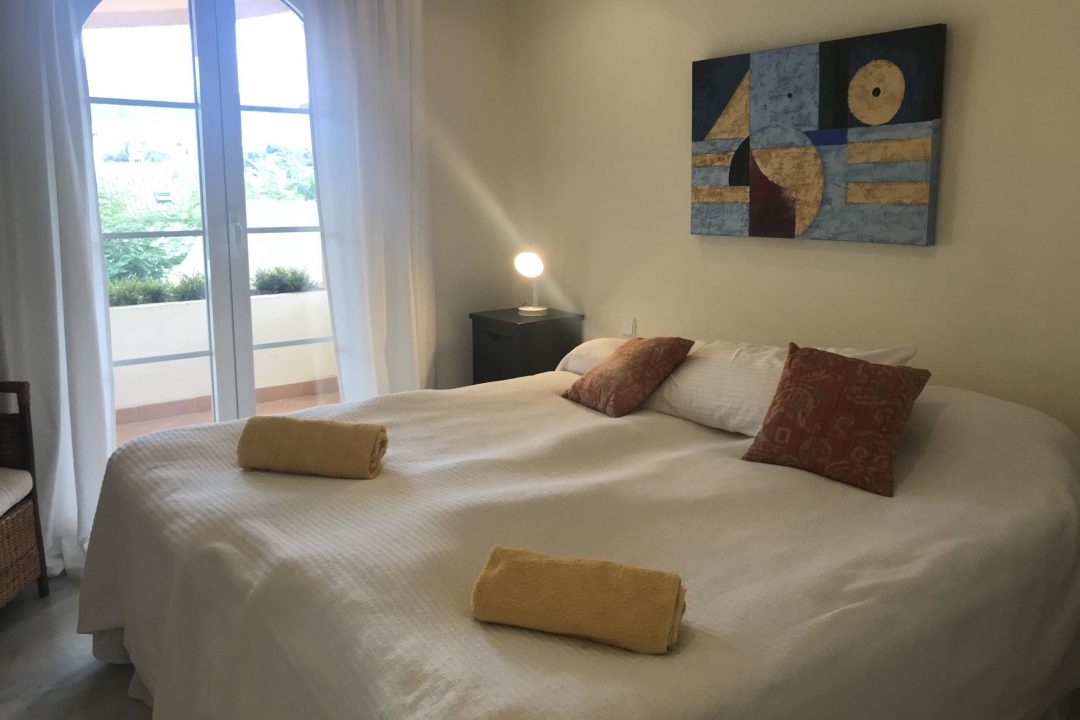 Double bedroom in 1D Mezquita Senorio de Aloha, Puerto Banus