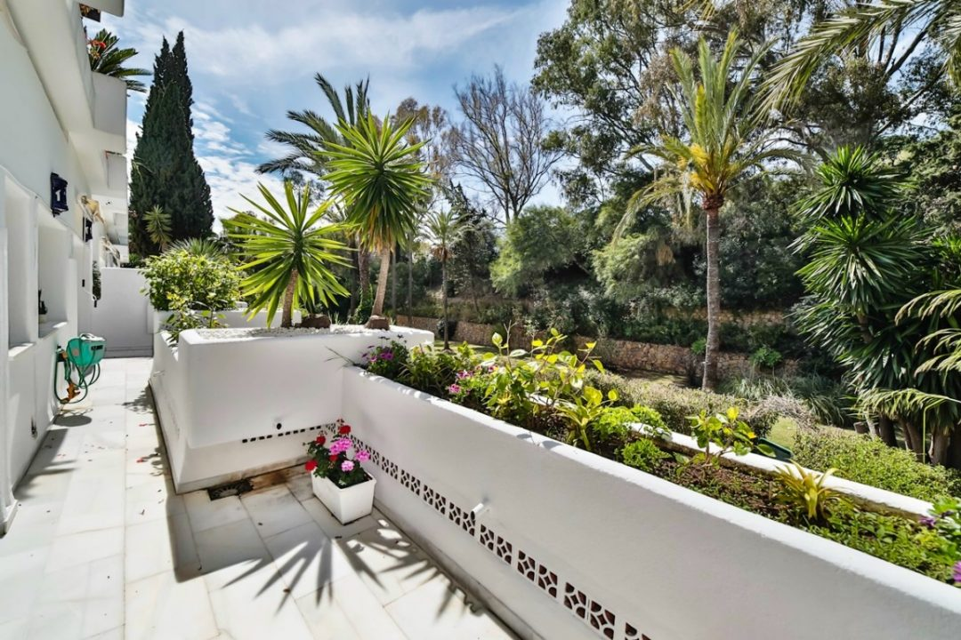Outdoor area with stunning garden in Kings Hill, Marbella