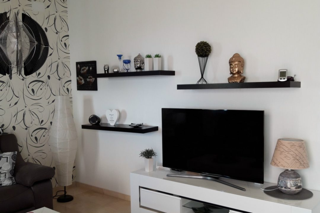 Lounge area with TV in Valle Romano, Estepona